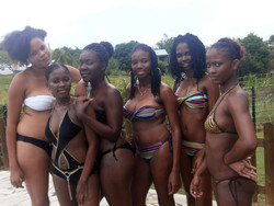 Sexy ebony chicks in the swimsuits..